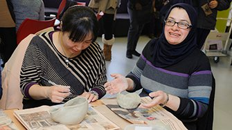 Try your hand at a free 1 day taster in ceramics or glass before enrolling!