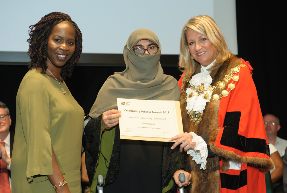 Sarwat Galali presented with Learner of the Year award by Lord Mayor of Westminster, Cllr Lindsey Hall (r) and Arinola Edeh, Principal at WAES (l)